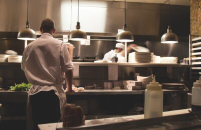 pic-workers-kitchen
